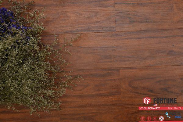 FLI 807 3 600x400 - Sàn gỗ Fortune 807