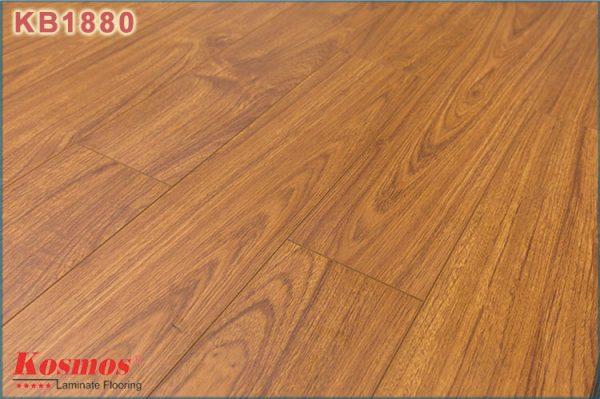 san go kosmos new kb 1880 1 600x399 - Sàn gỗ Kosmos 1880 12mm