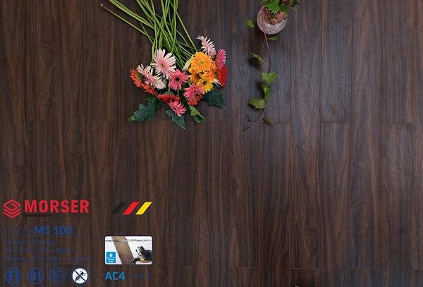 Sàn gỗ 12mm cốt xanh MS 100 được bán tại Công ty Gia Huy Phát