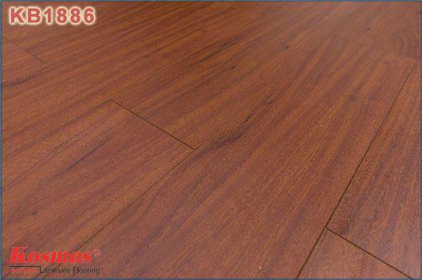 san go kosmos new kb 1886 1 600x399 - Sàn gỗ Kosmos 1886 12mm